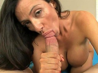 SEX3 @ Huge Titty MILF Sucks On A Motherfucking Cock