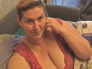 HCLIPS @ Mature Amateur Vid Shows Me Play With My Mature Tits