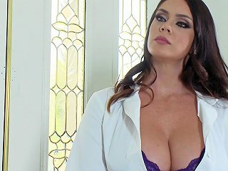BRAVOTUBE @ Hardcore Home Visit From A Doctor With Blazing Hot Curves